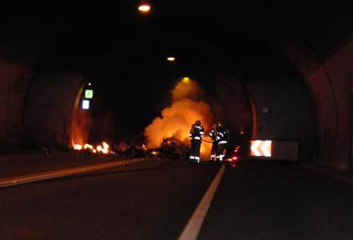 Verkehrsunfall im Lärchbergtunnel, am 28. Oktober 2012