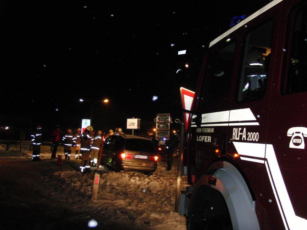 Unfall Kreisverkehr, 16. Jänner 2013