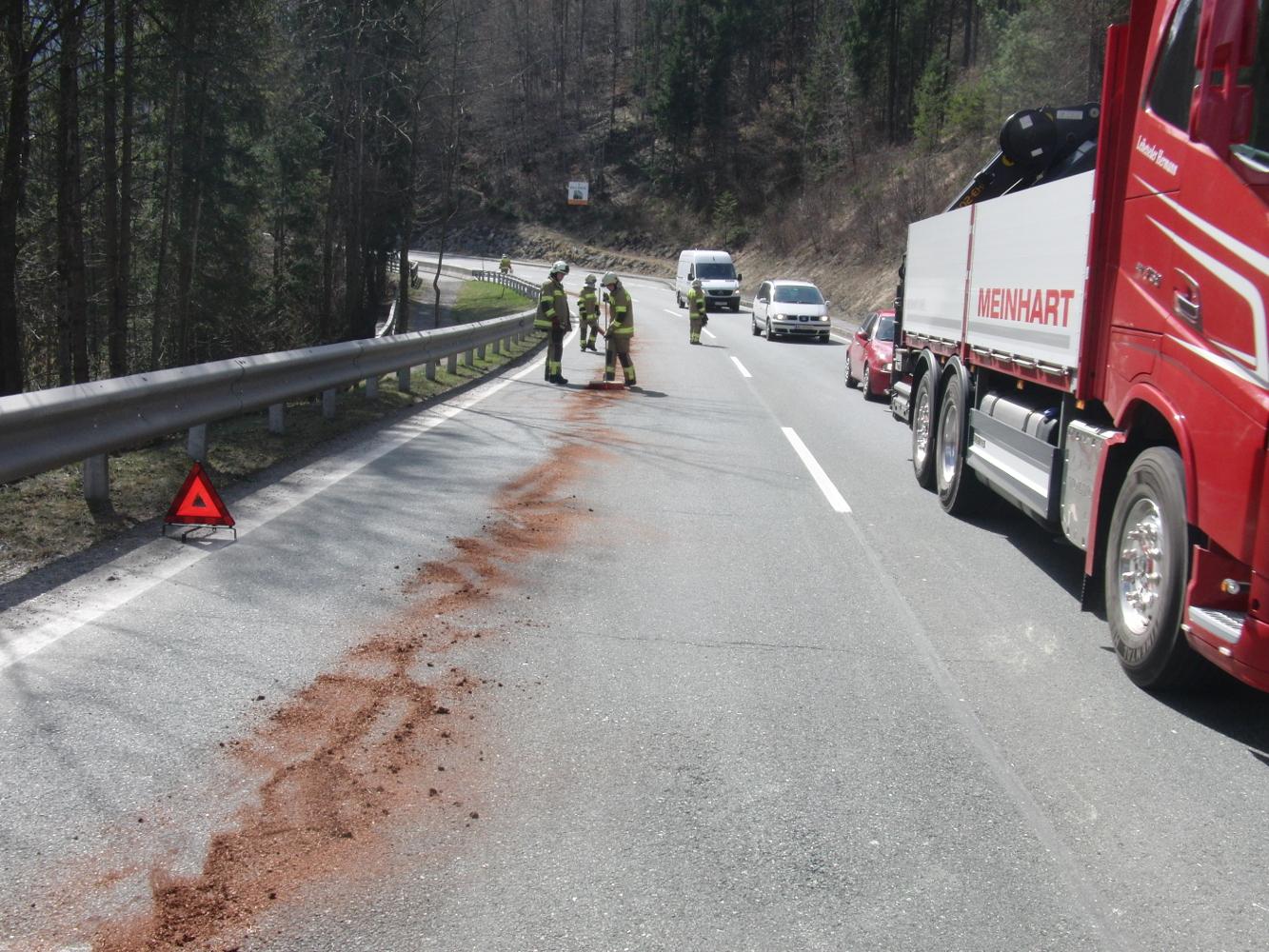 Öleinsatz Lofer Ortsausfahrt, 24. März 2015