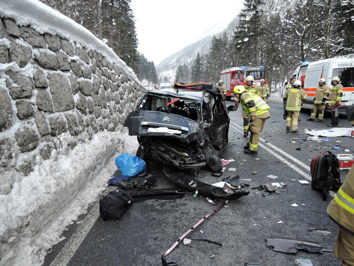 Verkehrsunfall Pass Strub, am 07. Februar 2015